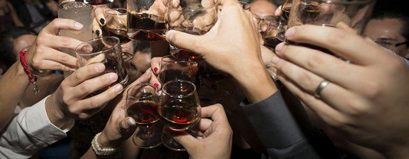 Temas Juveniles - EL ABUSO DEL ALCOHOL EN LOS ADOLESCENTES